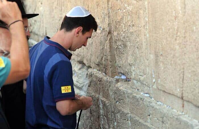 photo of the day lionel messi at the kotel israellycool