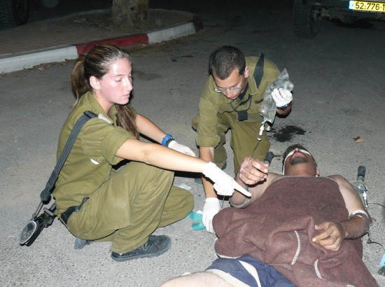 Flickr_-_Israel_Defense_Forces_-_IDF_Soldiers_Treats_Palestinian_Man
