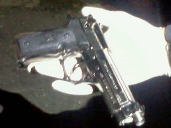Photo of the toy gun, courtesy of Captain Barak Raz (Twitter)