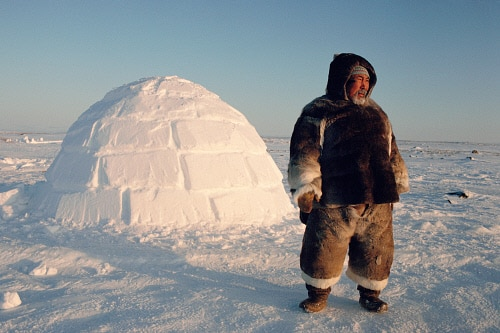 inuit-hunter-igloo