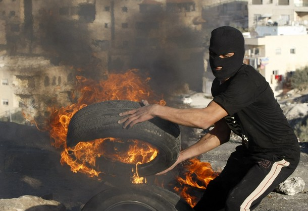palestinian burning tire