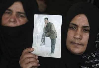 palestinian pose1 - reuters