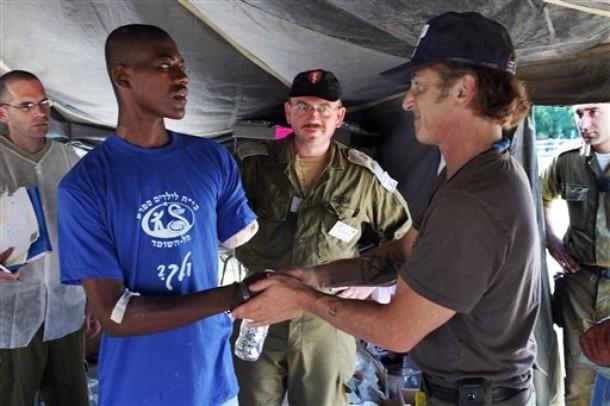Sean Penn Haiti - AP